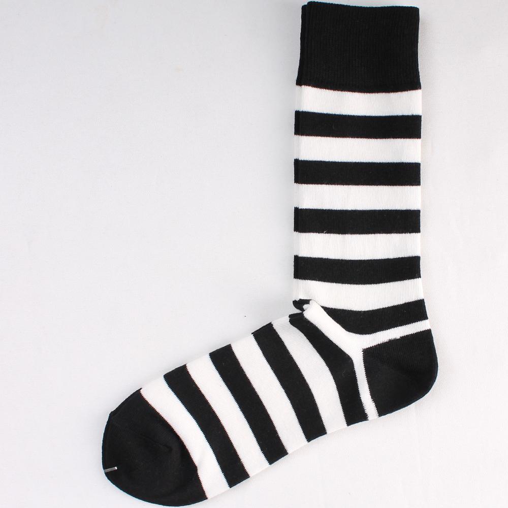 socks748bkxwt-2.jpg