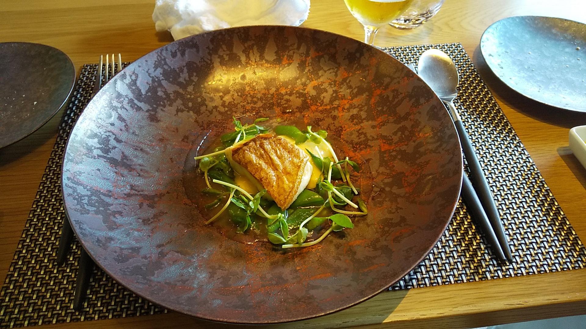 旬の鮮魚のポワレ フランセーズ