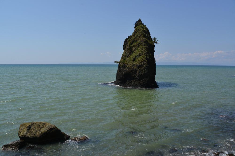 立岩と崖-3