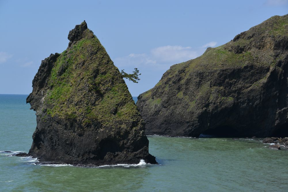 立岩と崖-5