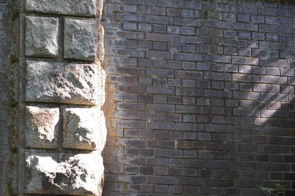 公園のトンネルー3