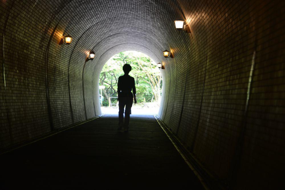 公園のトンネルー4