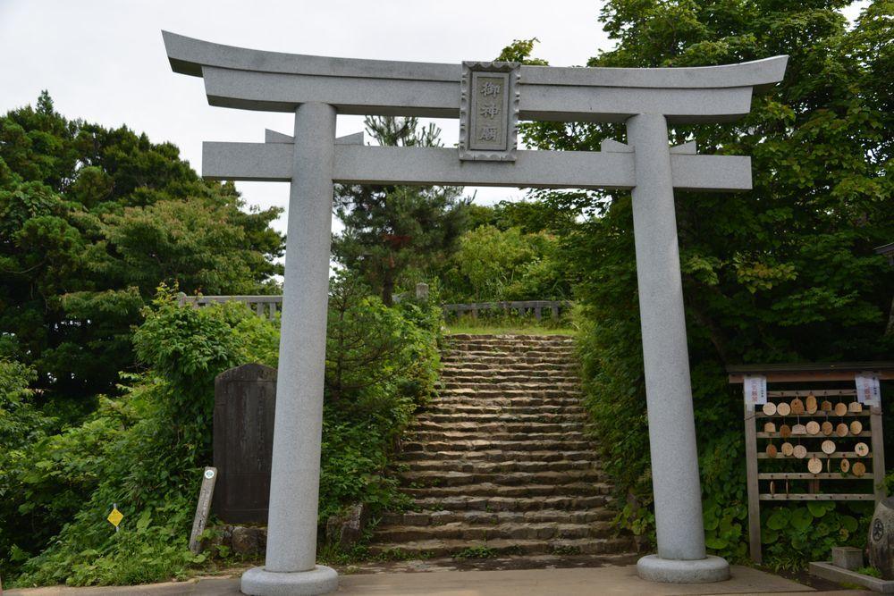 弥彦神社の奥社-3