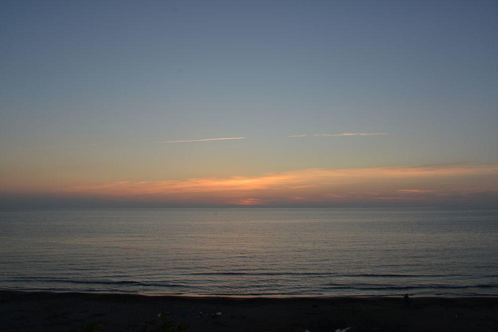 夕暮れの海-1