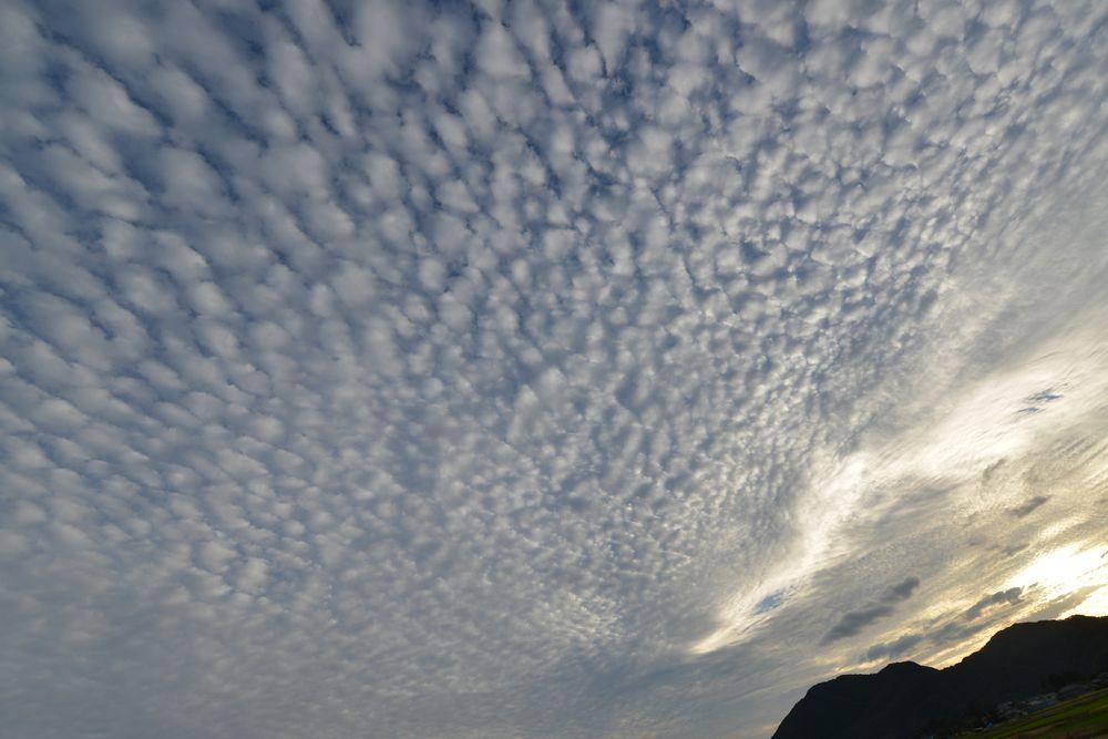 台風の雲-2