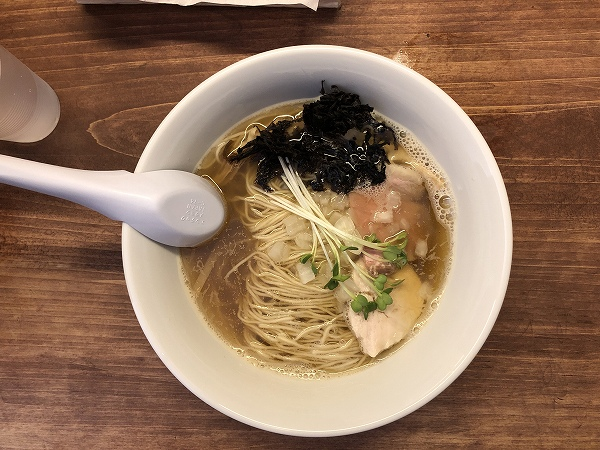 煮干しラーメンnibora@渡辺通り