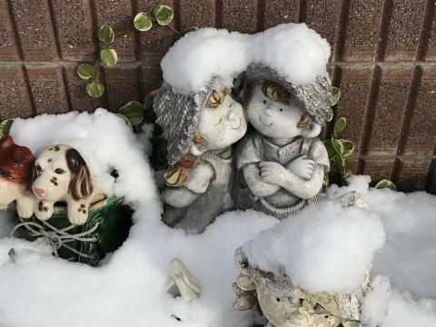 雪が降っても二人はアツアツ