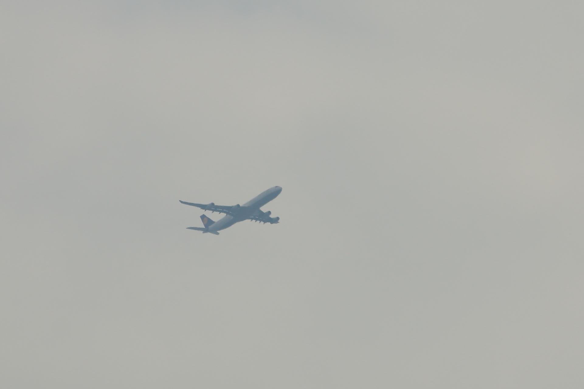 ルフトハンザ A340