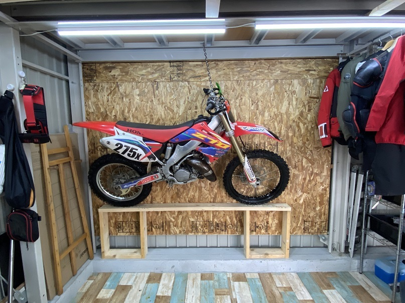 2020-10-03バイク壁掛け収納 (7)