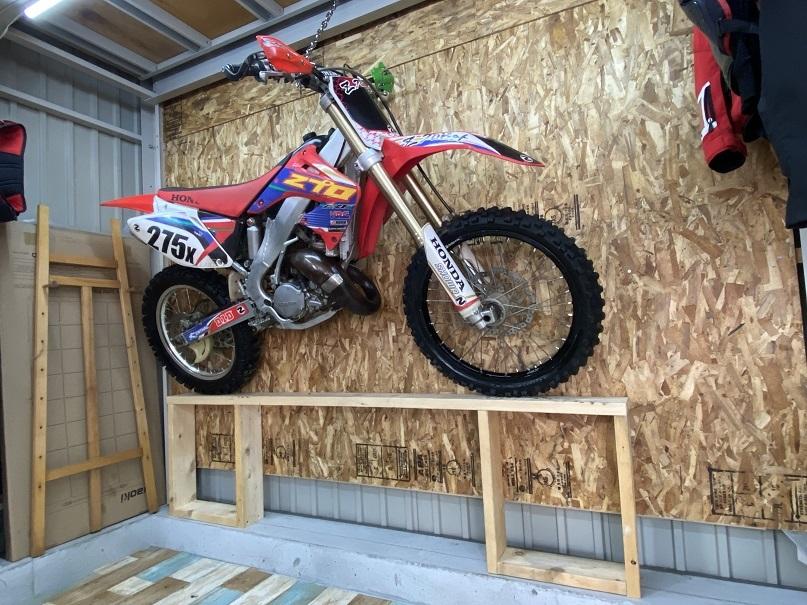 2020-10-03バイク壁掛け収納 (8)