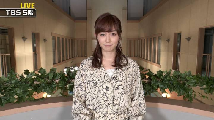 2020年04月25日新井恵理那の画像05枚目