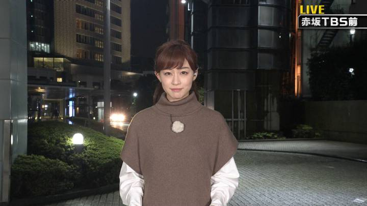 2020年10月10日新井恵理那の画像20枚目
