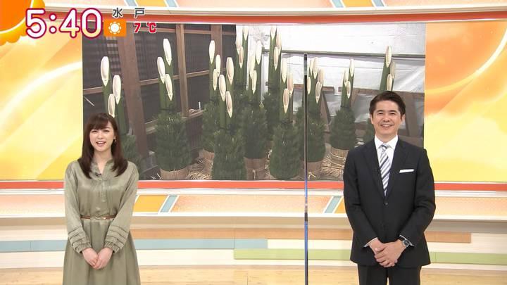 2020年12月16日新井恵理那の画像02枚目