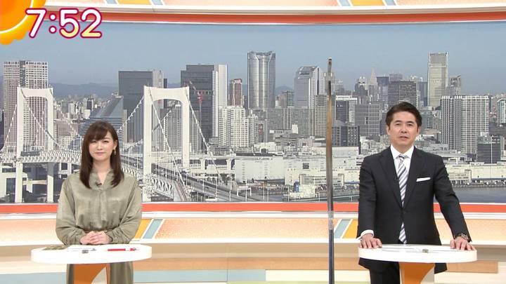 2020年12月16日新井恵理那の画像25枚目