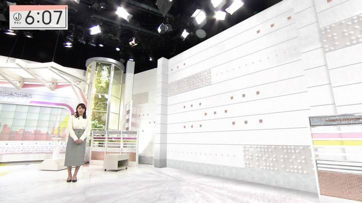 2020年12月08日林美沙希の画像13枚目