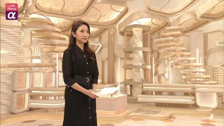 2020年10月05日三田友梨佳の画像32枚目