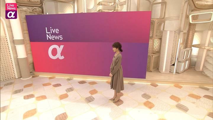 2020年11月17日三田友梨佳の画像06枚目
