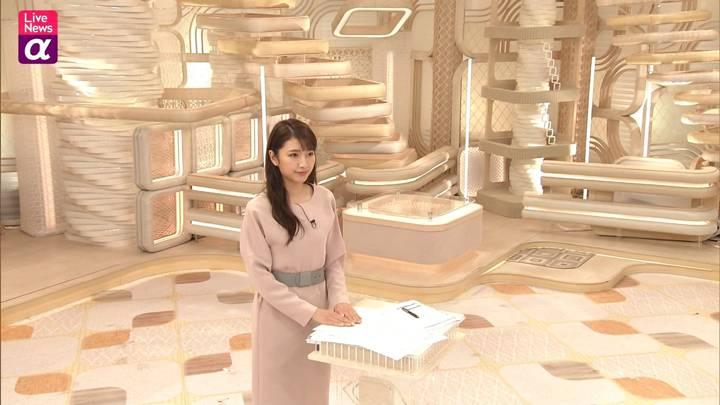 2020年11月24日三田友梨佳の画像15枚目