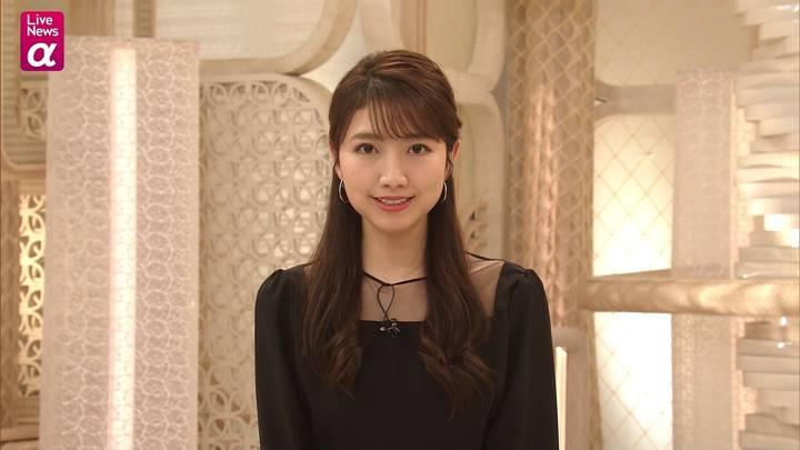 2020年12月10日三田友梨佳の画像19枚目