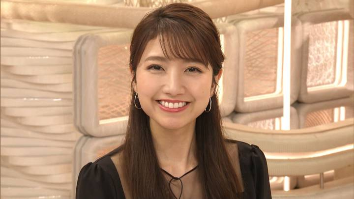 2020年12月10日三田友梨佳の画像33枚目
