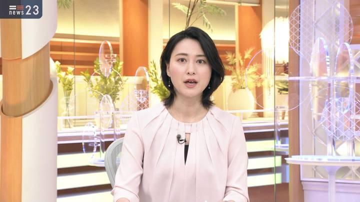 2020年10月21日小川彩佳の画像11枚目