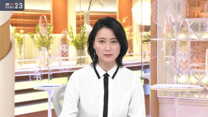 2020年10月23日小川彩佳の画像05枚目
