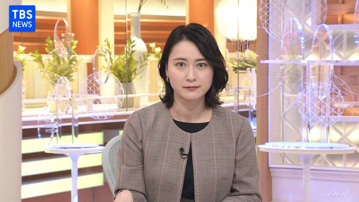 2020年11月10日小川彩佳の画像04枚目