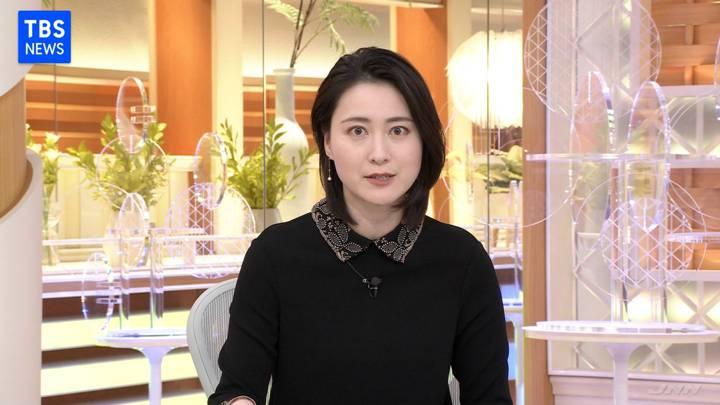 2020年11月13日小川彩佳の画像04枚目