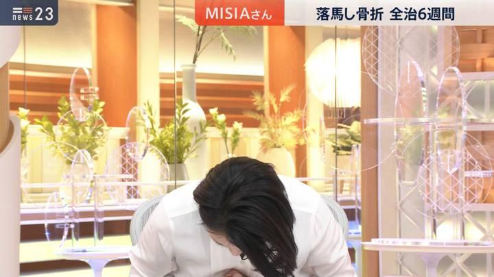 2020年11月19日小川彩佳の画像02枚目