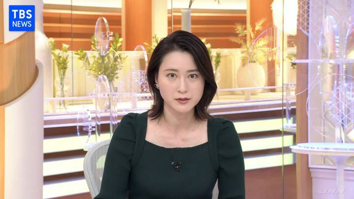 2020年11月27日小川彩佳の画像02枚目