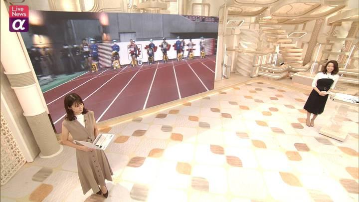 2020年10月02日鈴木唯の画像01枚目