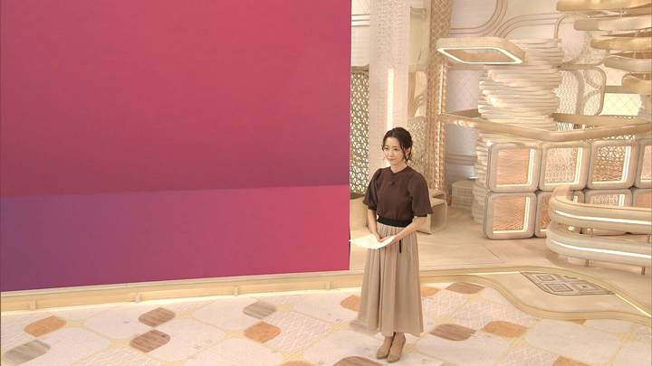 2020年09月18日内田嶺衣奈の画像03枚目