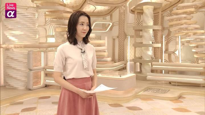 2020年10月30日内田嶺衣奈の画像21枚目