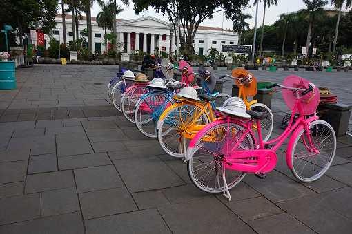 カラフルな貸し自転車2