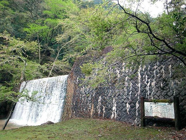 潜戸の滝02