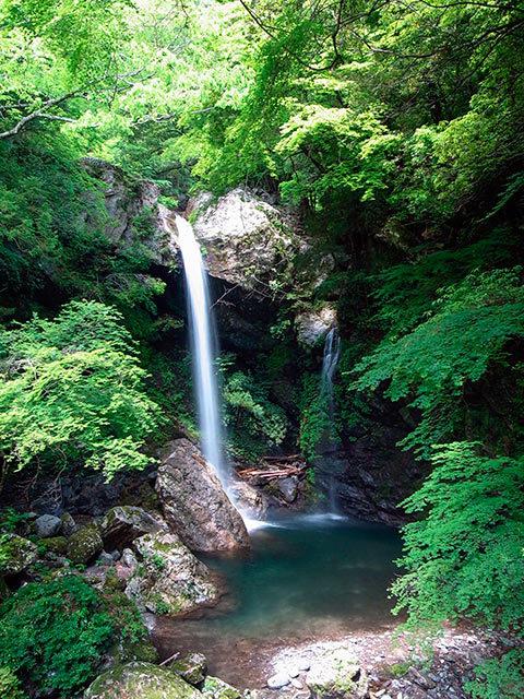 新居田の滝01