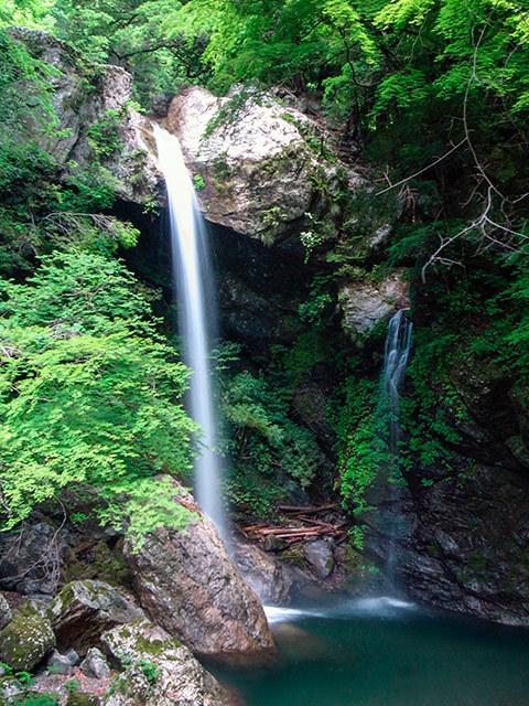 新居田の滝02