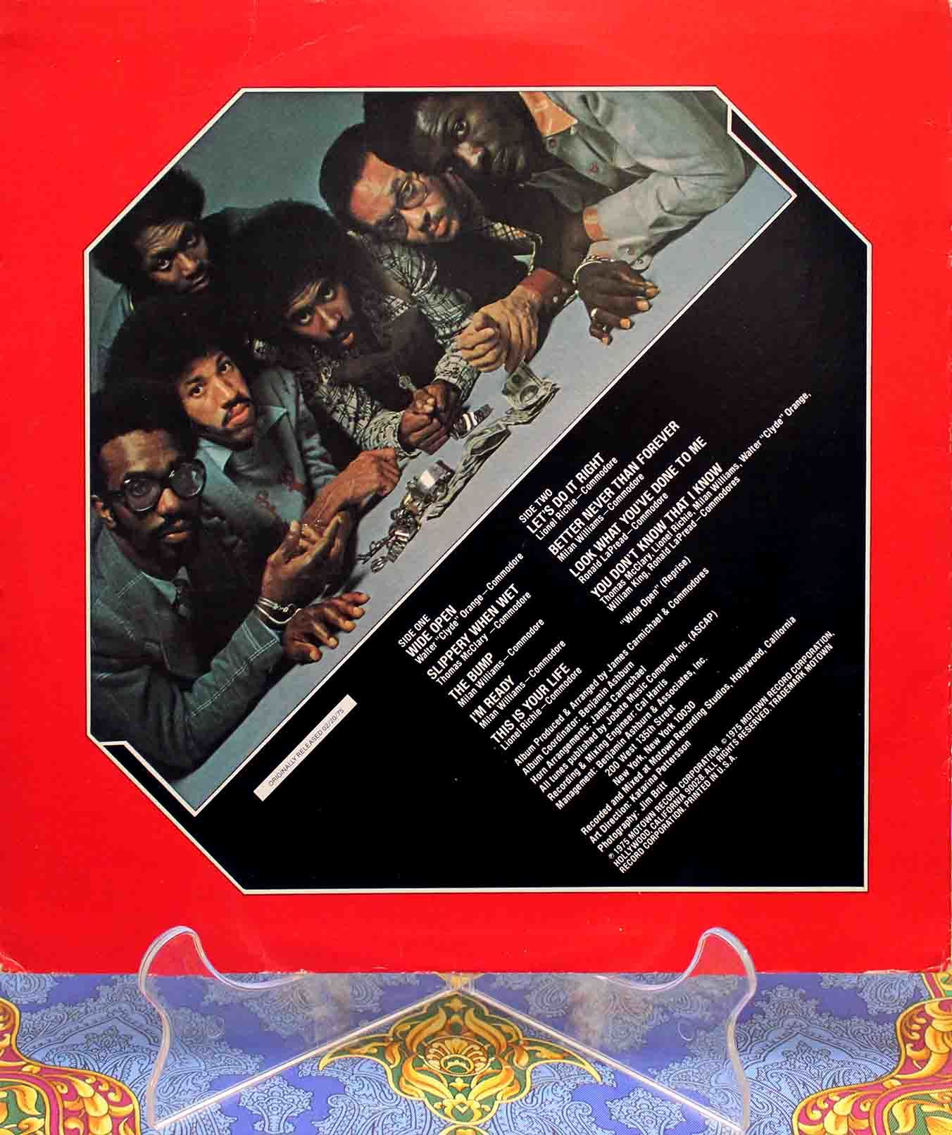 Commodores Caught In The Act 02