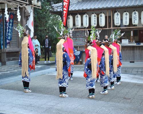 八つ鹿踊り(朝)