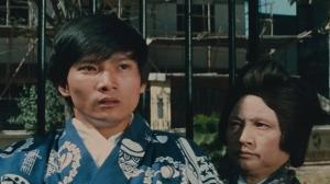 『怒りの鉄拳』右のオバサン