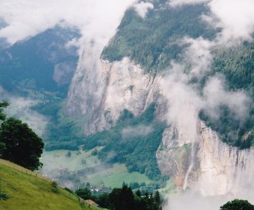 040710ユングフラウヨッホへ-シュタウプバッハの滝