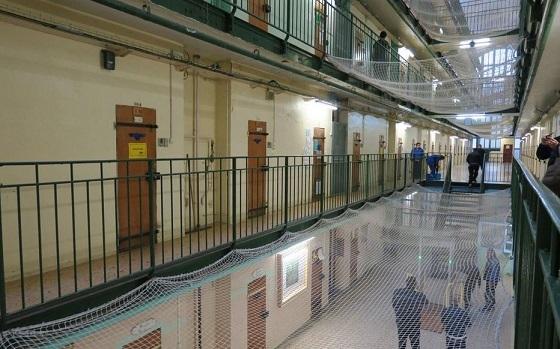 フランスの刑務所、オーバーブッキング