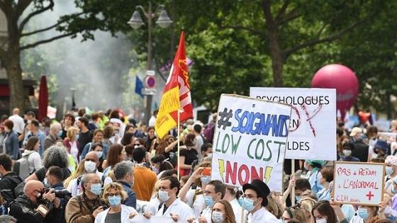 manifestation-de-personnels-soignants-a-paris-le-16-juin-2020.jpg