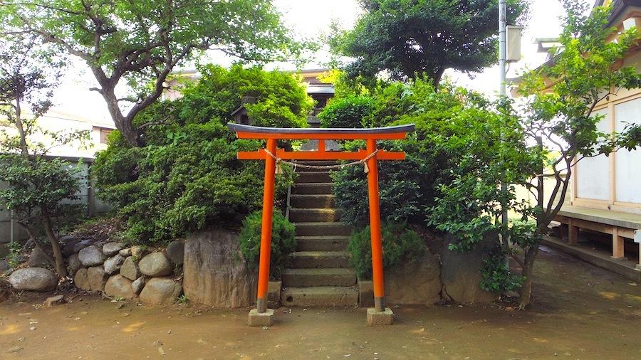 「和田神社の塚」4