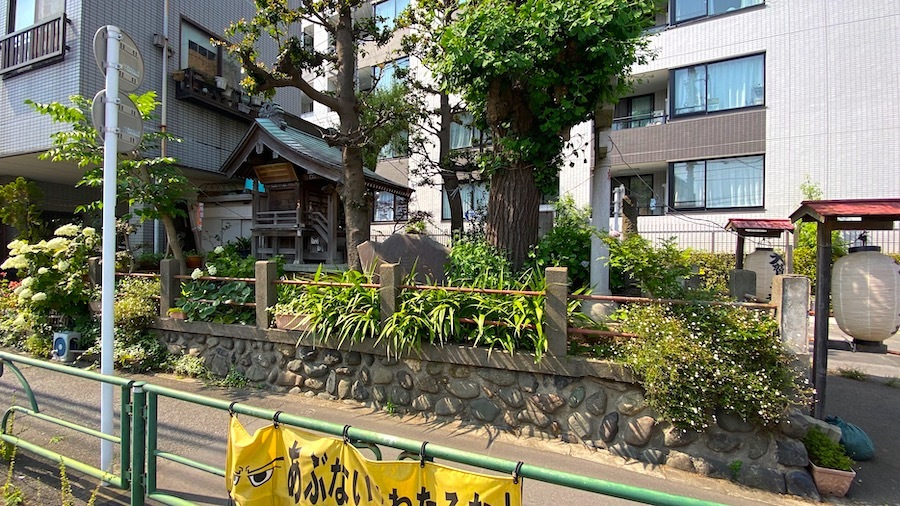大鷲神社と「塚」交差点2