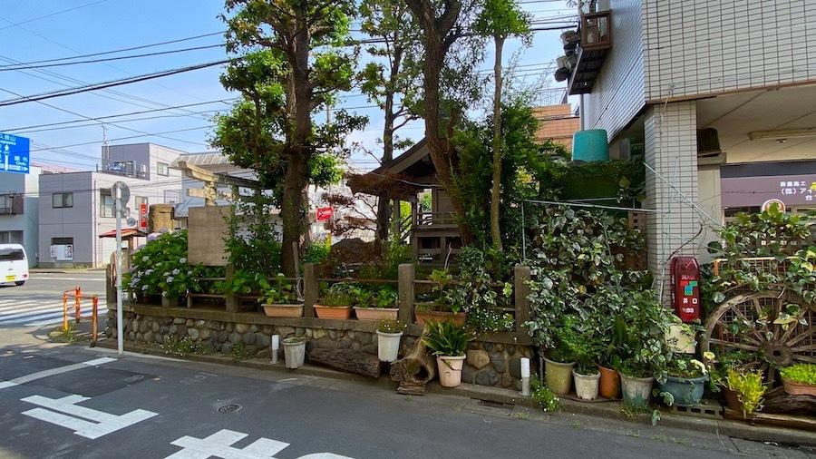 大鷲神社と「塚」交差点3