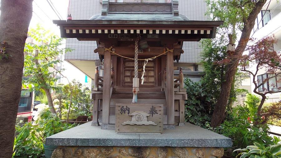 大鷲神社と「塚」交差点4