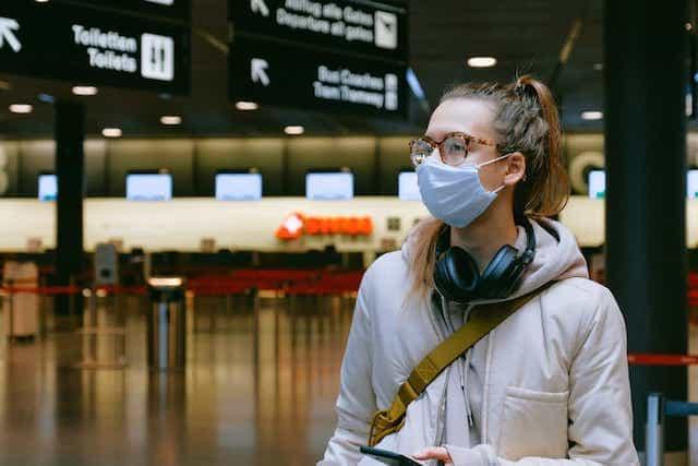 woman-wearing-face-mask