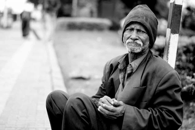 失業した人の画像