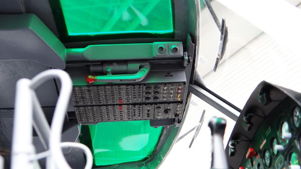 Bell212Cockpit配置8